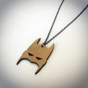 """bijoux personnages collier batman bois artisanal : Collier en bois """"Batman"""""""
