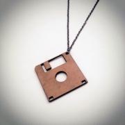 """bijoux autres collier bois disquette artisanal : Collier en bois """"Disquette"""""""