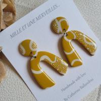 Boucles d'oreilles jaune moutarde et blanches