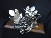 sculpture autres : grappe de raisin