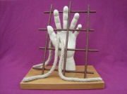 sculpture nature morte main evasion liberte prison : Liberté