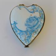 ceramique verre fleurs boite porcelaine coeur en porcelaine rose cadeau de porcelaine : Boite coeur Rose bleue