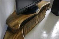 meuble TV design original en noyer massif