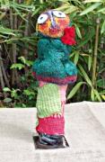 sculpture personnages laines feutrees argile peintures : La grenouille
