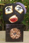 sculpture personnages beret socle en bois noir laines feutrees : Le béret mauve