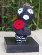 sculpture personnages petit noir laines feutrees personnage : moi tout petit