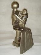 sculpture personnages : La mére et l'enfant