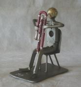 sculpture personnages : Contrebasson
