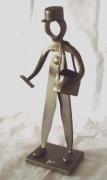 sculpture personnages : Le facteur