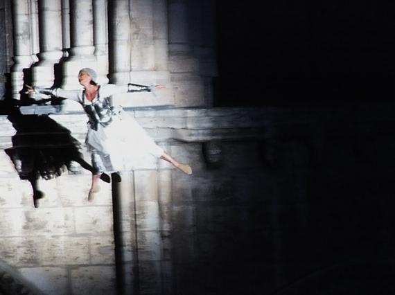 PHOTOGRAPHY Danse cath閐rale Architecture  - En appesanteur n� title=