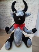 """deco design animaux taureau de decoratio taureau camargue taureau tissu animaux de decoratio : Taureau Camargue décoration en tissu """"Baroque"""""""