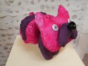 deco design animaux chien de decoration chien decoration tis animaux de decoratio decoration interieur : Chien de décoration en tissu fuchsia et violet.