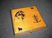 bois marqueterie paysages camargue boite en bois boite decorative : BOITE EN BOIS AVEC DECOR CAMARGUAIS