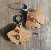bijoux boucles ginkgo cuir ambre : Boucles feuilles Ginkgo cuir et Ambre
