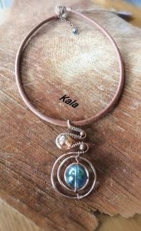 Collier Ondule Cercle cuivre Quartz aqua aura