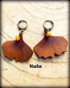 bijoux autres boucles cuir ginkgo ambre : Boucles dormeuses bronze Feuilles de Ginkgo cuir et Ambre