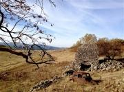 photo paysages ruines epave de voiture monts dardeche : Vestiges