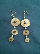bijoux fleurs bijoux boucles d oreil laiton fleur : trois fleurs