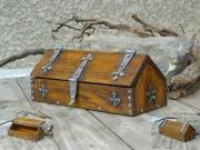 bois marqueterie autres chene templier ferronnerie aude : Coffret templier