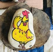artisanat dart animaux galet coq jaune : Coq frimeur