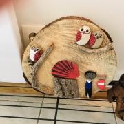 artisanat dart paysages galet bois chouette : A l´oree du bois