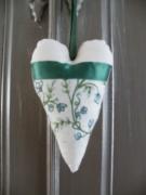 artisanat dart autres cadeaux coeur ornement beige vert vintage : coeur decoratif pour poignée de porte écru et vert