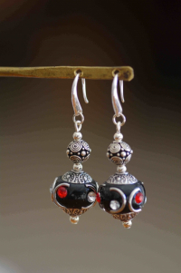 Boucles d'oreilles perles indonésiennes