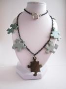 bijoux : Collier atypique pièces de puzzle (parure puzzle)