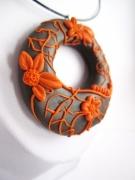 bijoux fleurs : Collier pendentif en pâte polymère décoration relief petites fle