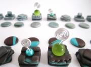 mixte abstrait : Pièces de jeu d'échec en pâte polymère style géométrique av