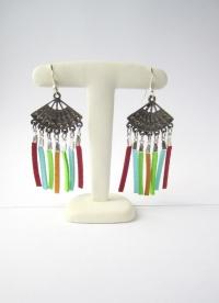 Boucles d'oreille chandelier éventail et suédine multicolor
