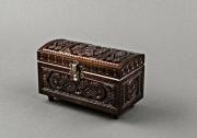bois marqueterie le deco de la boite en bois cadeau manuelle : Boîte sculptée en bois avec le fermoir