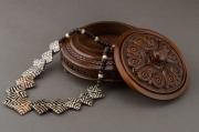 bois marqueterie boite ronde bijoux le deco en bois : Boîte sculptée ronde