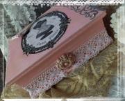 """bois marqueterie autres boite paris creation shabby chic : Boîte à bijoux  """"Paris"""" décorée façon shabby chic"""
