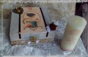 bois marqueterie personnages boite patinee romantique creation : Boîte à bijoux patinée,boîte à couture vintage
