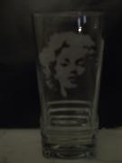 ceramique verre personnages marilyn bichromie pinup sexsymbole : Marilyn 2 verre gravé