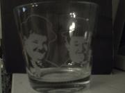 ceramique verre personnages gravure verre bichromie bibelot : Bibelot Laurel et Hardy