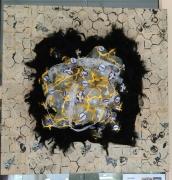 tableau autres bouteilles abeilles jaune plume : Orangina