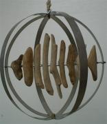 bois marqueterie poisson bois flotte : Poisson dans sa sphère