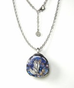bijoux abstrait pendentif collier feuille inclusion : Cyane Ciel