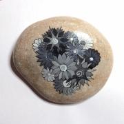 artisanat dart fleurs galet peint fleur salat : galet fleur