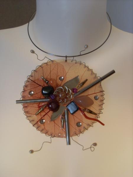 BIJOUX collier unique résine art  - résine et corail