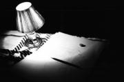 photo nature morte lampamp1091 lumiere livre crayon : Object #1