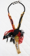 bijoux abstrait collier micromacrame : COLLIER DSC 1514