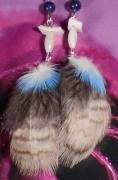 bijoux abstrait earring boucles d oreil plume pierre fine : Boucles d'oreille en lapis, nacre et plume