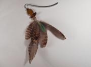 artisanat dart abstrait : Marque-page en oeil de tigre et plumes