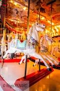 photo autres lumieres art forain chevaux de bois nostalgie : Dans les souvenirs flous de mon enfance