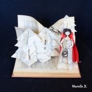 sculpture personnages chaperon rouge livre conte : Le Petit Chaperon Rouge