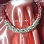 bijoux autres tour de cou haute co modele unique : Collier tour de cou corail,perles d'eau douce,fermoir boule