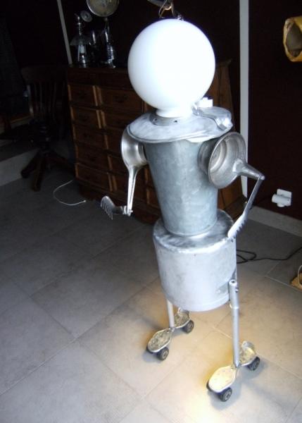 DéCO, DESIGN LAMPE metal humanoide Personnages  - terrien